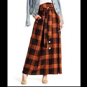 Tov plaid double pocket skirt